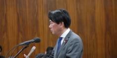 外務委員会/稲田防衛大臣に質問